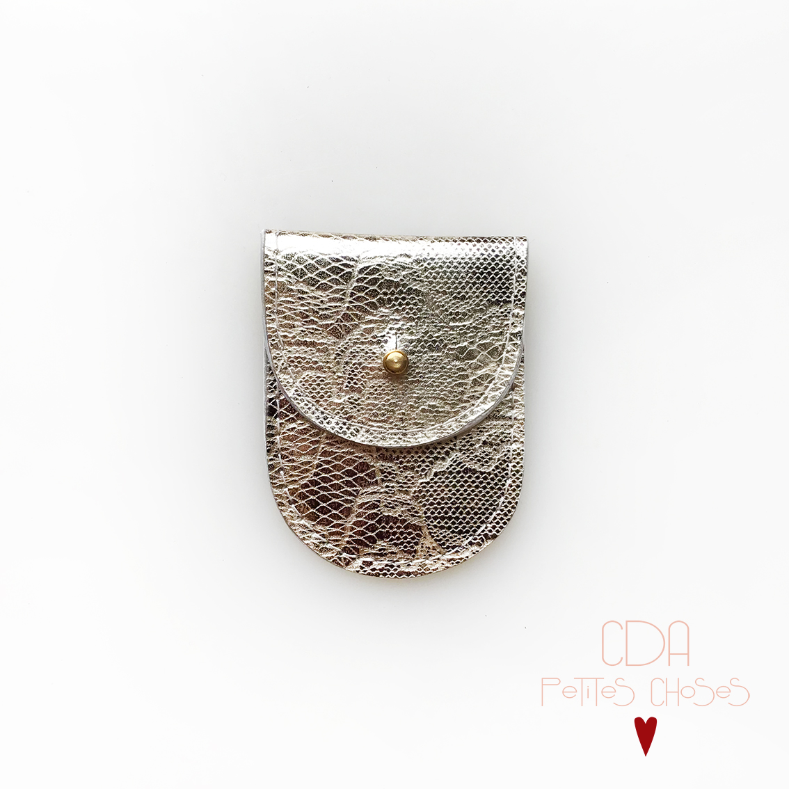 mini-pochette-en-cuir-embosse-dentelle-1 CDA Petites Choses