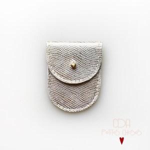mini-pochette-en-cuir-embosse-galuchat-or-1 CDA petites Choses