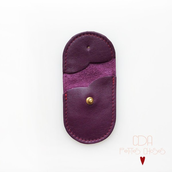mini-pochette-en-cuir-violet-fonce-2 CDA Petites Choses