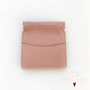 porte-monnaie-clic-clac-en-cuir-vieux-rose-CDA-Petites-Choses