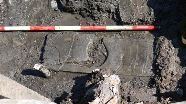 Descubren asiento de inodoro romano de 2.000 años de antiguedad