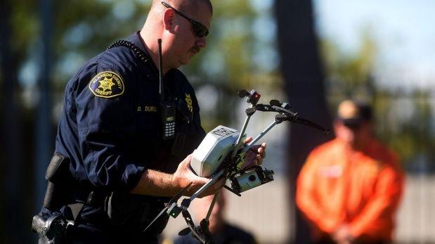 Autorizan a la policía de EE.UU. a usar drones armados