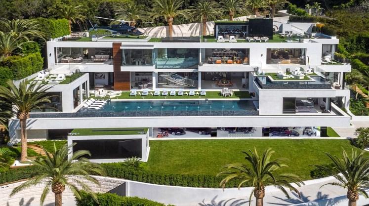 Resultado de imagen de Mira cómo luce por dentro la mansión más cara del mundo a la venta...