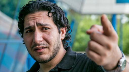 Mohammed Al Bahish se siente desesperado al no poder abandonar el aeropuerto.