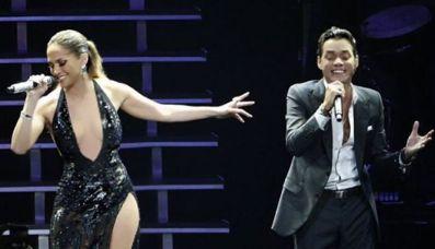 La cantante apareció en el escenario luciendo un escote de infarto y luego posó junto a la actual esposa, Shannon de Lima. (Foto: Instagram)