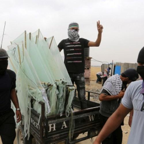 Israel tightens blockade of the Gaza Strip over Palestinians' kites carrying firebombs to burn Israeli farmland