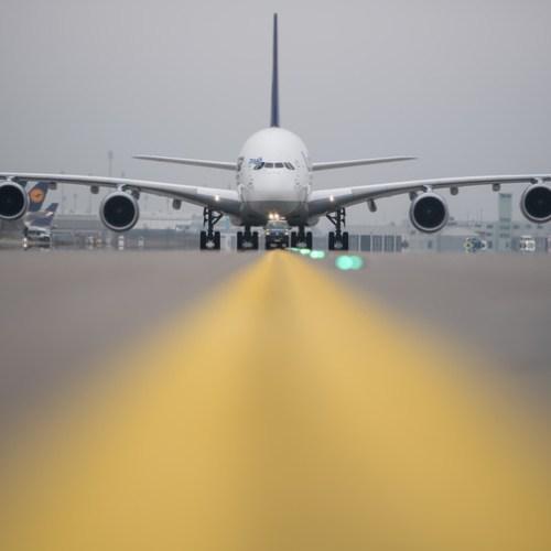 Lufthansa, campaigners urge EU to set 'e-kerosene' green jet fuel target