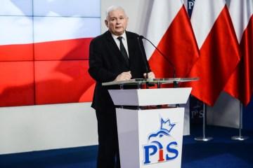 Poland's Kaczynski to quit government post, focus on party leadership