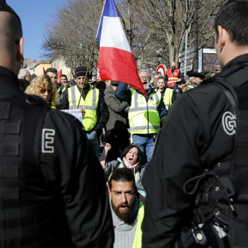 Troops to be deployed in streets of France during Yellow Vest protests