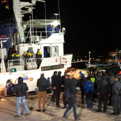Migrants on board the 'Mare Ionio' to disembark at Lampedusa