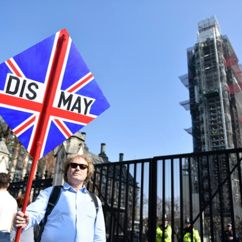EU Commission reacts to vote by saying no-deal Brexit on April 12 'likely' – EU Summit scheduled for April 10