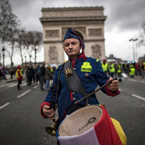 Yellow Vests banned from Champs-Élysées
