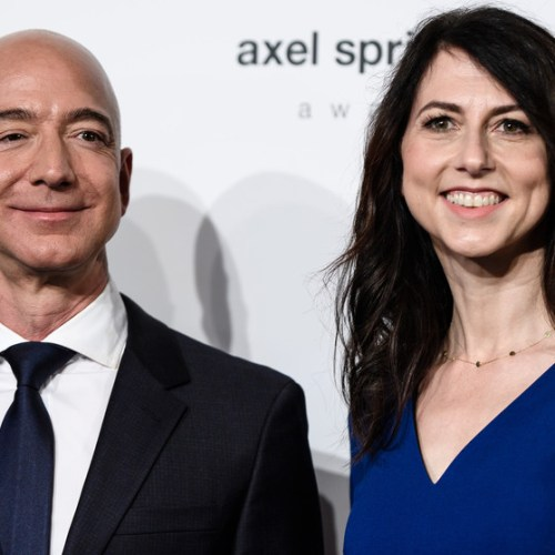Amazon owner agrees to record $35bn divorce