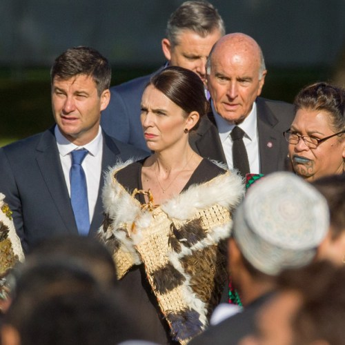 New Zealand Prime Minister pays for groceries of Auckland mum who forgot wallet
