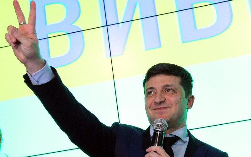 Comedian wins first round of Ukrainian election