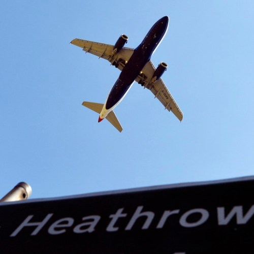 Heathrow Airport calls for UK to open up to vaccinated travellers