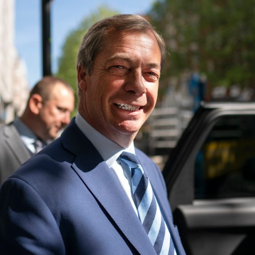Farage should face highest penalty for serious breach of EP code of conduct