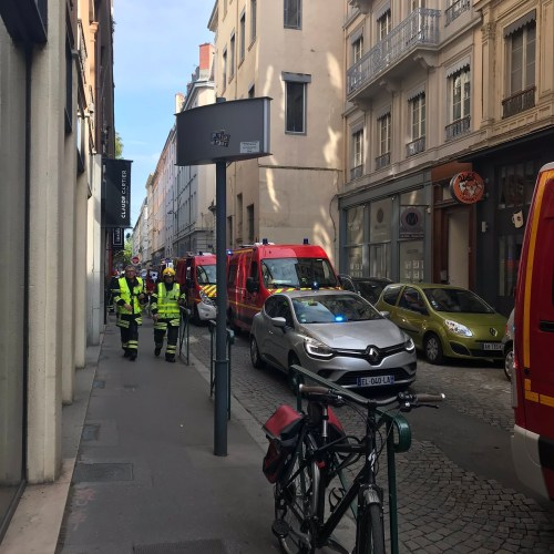Eight hurt in central Lyon explosion; package bomb suspected (UPDATED)