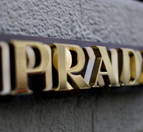 Prada to stop using fur from next year