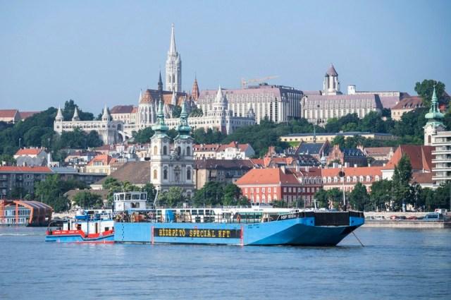 Fatal boat accident in River Danube near Margaret Bridge in Budapest