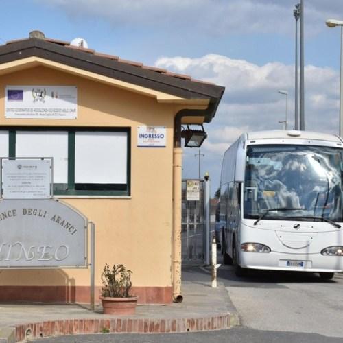 Italy shuts Mineo migrant camp in Sicily