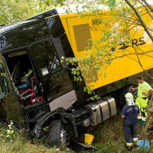 Renault F1 team truck involved in traffic accident in Hungary