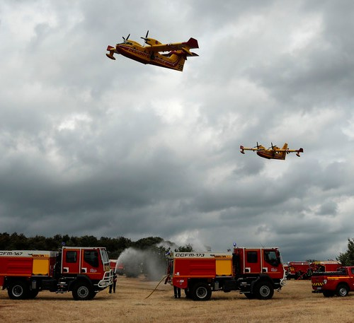 2,500 holidaymakers evacuated due to wildfires in south of France