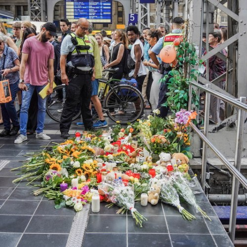 Man behind death of German child in Frankfurt station was wanted by Swiss police