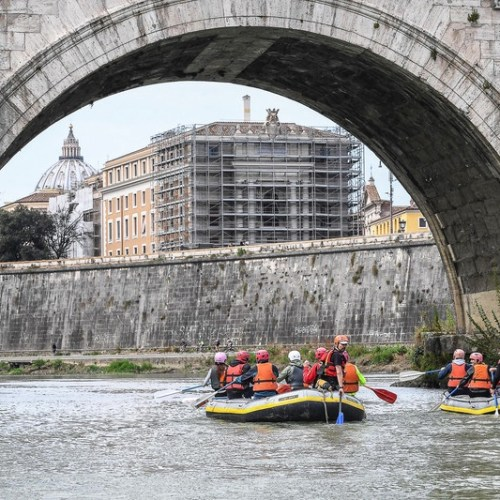 Police treating the discovery of a lifeless newborn in Rome's Tiber as a murder