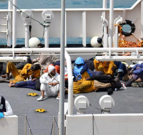EU seeks volunteer countries to take in migrants stranded at Italian port
