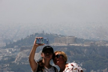 'Restrained optimism' for Greek tourism recovery – industry body