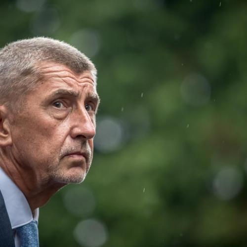 Czech PM faces risk of no-confidence defeat