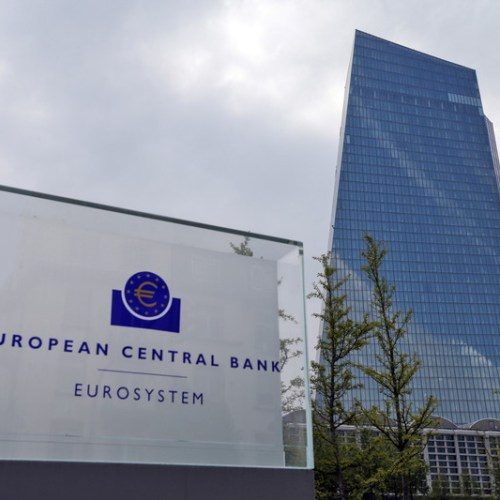 Euro zone corporate lending growth plunges in Sept