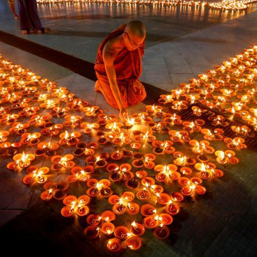 Photo Story: Thadinkyut Lighting Festival