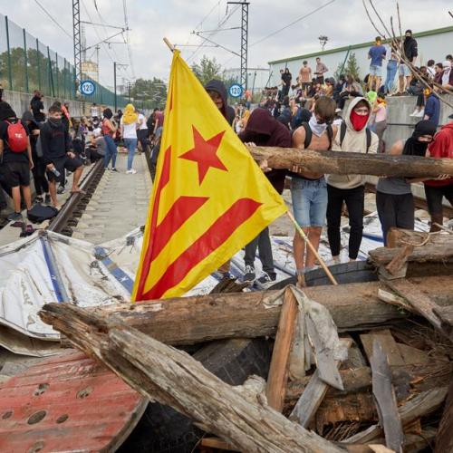 Catalan leaders call for Madrid talks after violent clashes