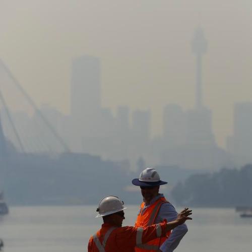 Hazardous smoke blankets Sydney