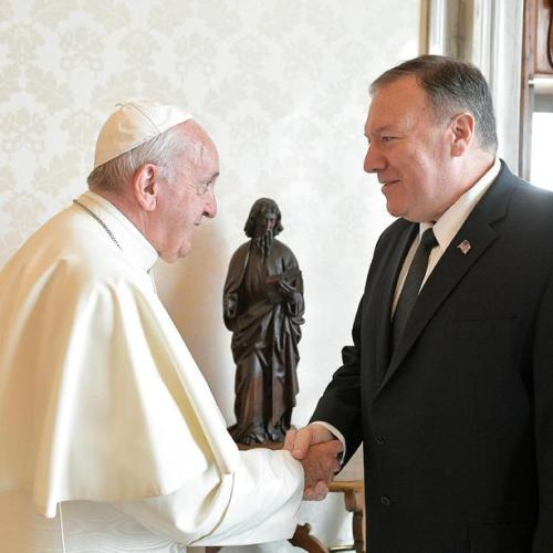 Pompeo in audience with the Pope