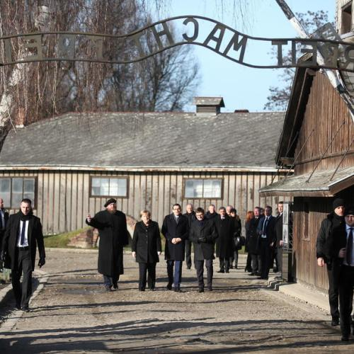 Merkel visits Auschwitz memorial for the first time