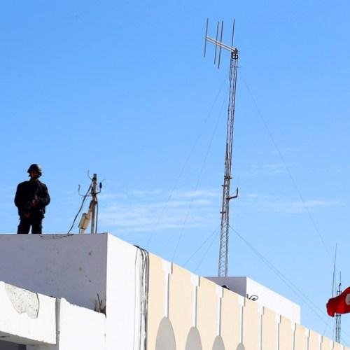 Tunisia army on high alert along Libyan border, Libyan ceasefire goes into effect