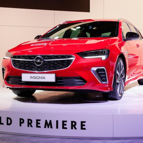 Photo Story: World Premiere for the new Opel Insignia at Brussels Motor Show