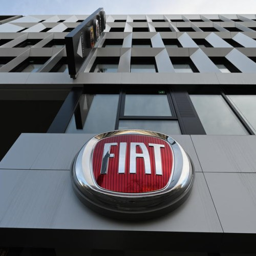 Fiat Chrysler wins waiver to retrieve parts from virus-hit supplier