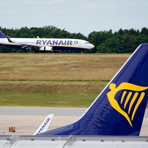 Ryanair cancels all its flights to, from and within Italy