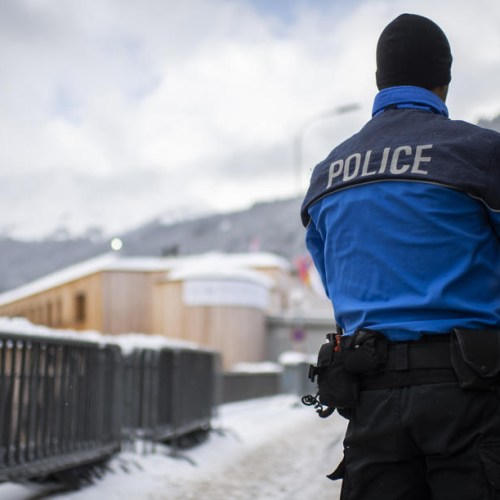 Swiss police uncover people smuggling ring
