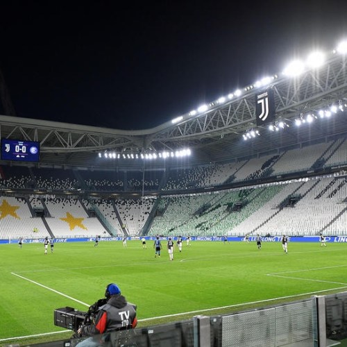 Juventus plans 400 mln euro cash call to weather COVID-19 hit