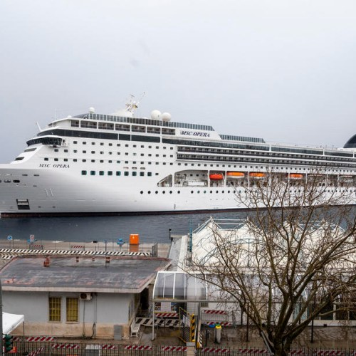 Cruise ships seek safe harbour as coronavirus spreads