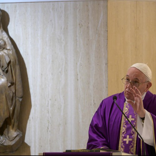 Pope appeals for people to follow directives, calls for world prayer