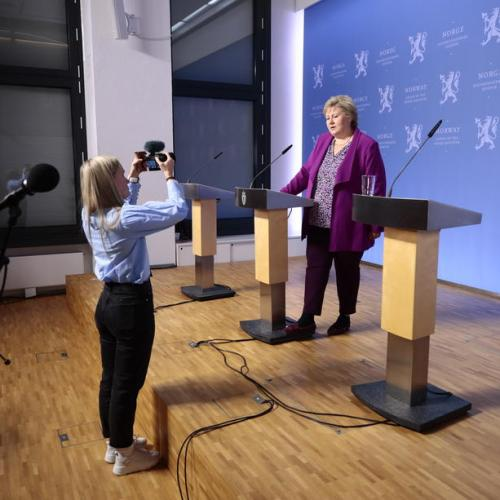 Norway's Prime Minister addresses youngsters about coronavirus
