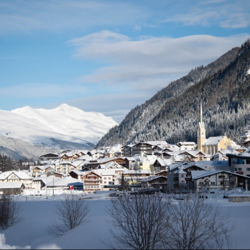 Alp resort in Austria at heart of Europe's outbreak reopens