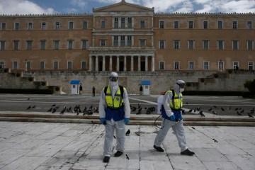 Majority of Greeks trust COVID vaccines despite protests – poll
