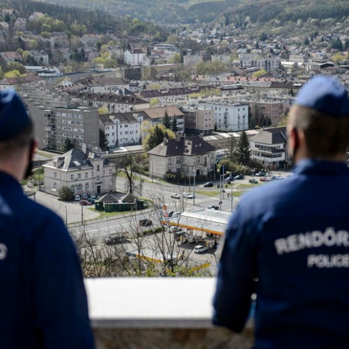 Hungary extends national lockdown